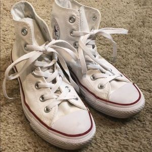 White converse only worn a few times. Size 7